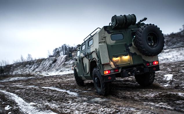 ГАЗ «Тигр» против Infiniti QX80. Фото 8