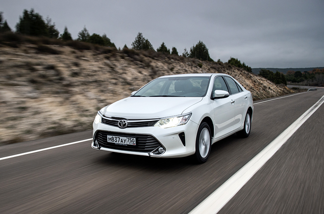 Тест-драйв обновленной Toyota Camry