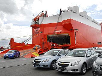Импорт автомобилей в Россию снизился на 20 процентов