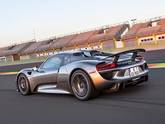 Компания Porsche распродала все супергибриды 918 Spyder