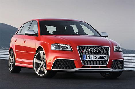 Хэтчбек Audi RS3 оказался на семь лошадиных сил мощнее хот-хэтча Mercedes-Benz. Фото 3