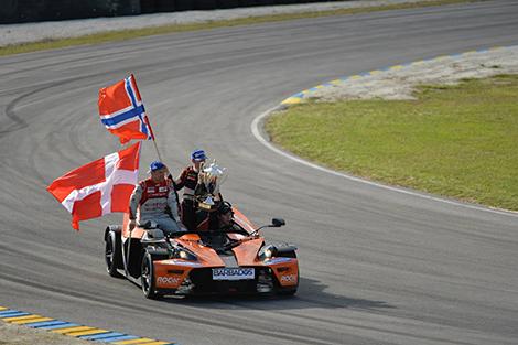 Скандинавы стали лучшими в командном зачете Race of Champions. Фото 2