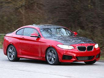 """Компания BMW спрятала под кузовом """"двойки"""" новую модель"""