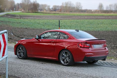 """На испытаниях замечен тестовый """"мул"""" новой модели BMW. Фото 1"""