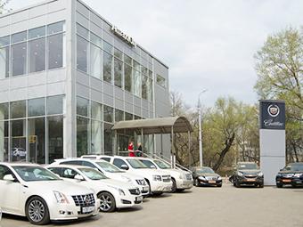 Четыре компании прекратили отгружать машины российским дилерам