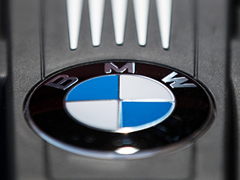 Компания BMW отправила машины для России в другие страны