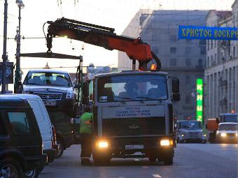 Госдума пообещала защитить водителей от эвакуаторов