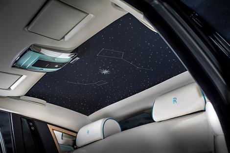 В оформлении машин использовали звездные мотивы. Фото 2