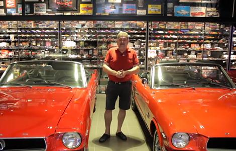 Фанат масл-кара Ford разместил машины в своем гараже
