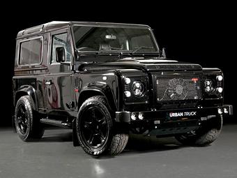 "Британцы оснастили Land Rover Defender мотором от ""Корвета"""