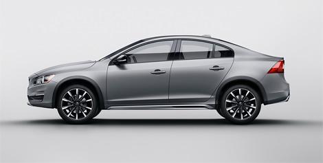 Компания Volvo представила седан S60 с увеличенным дорожным просветом
