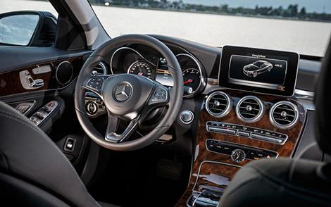 Седан и универсал Mercedes-Benz C-Class получили 278-сильный гибридный вариант. Фото 3