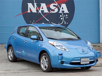 NASA поможет «Ниссану» разработать автопилот