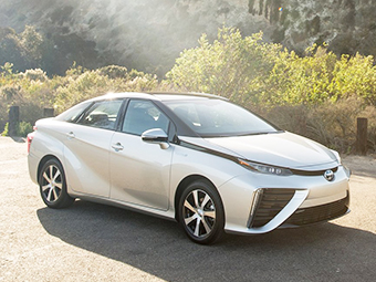 Спрос на водородный седан превысил ожидания Toyota втрое