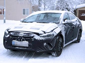 """Компания Hyundai начала дорожные испытания новой """"Элантры"""""""