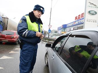 Водители в Москве смогут оплачивать штрафы на месте нарушения