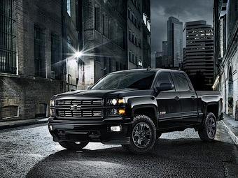 """В Chevrolet подготовили """"полуночный"""" пикап Silverado"""