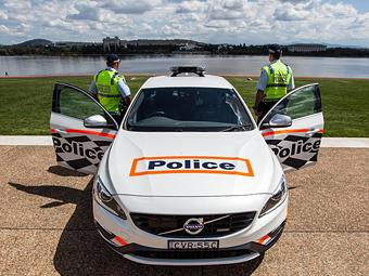 """Австралийская полиция захотела ездить на """"заряженных"""" Volvo"""