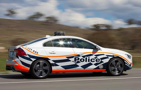 Местные полицейские оценили седан S60 Polestar