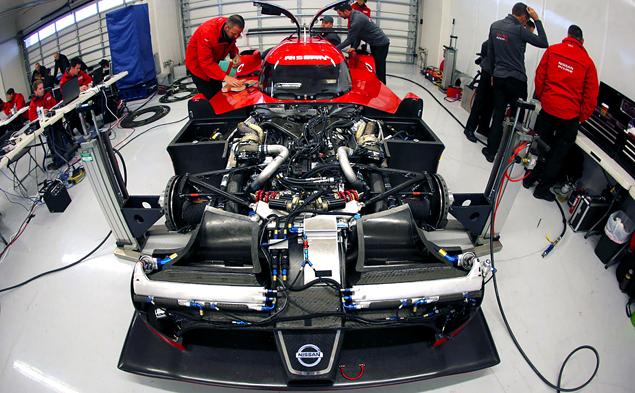 Как устроен гоночный  Nissan с передним приводом. Фото 9