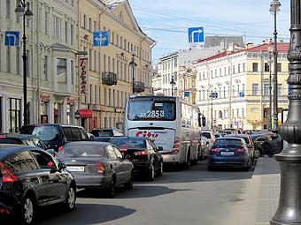 Москва и Петербург вошли в десятку самых «пробочных» городов