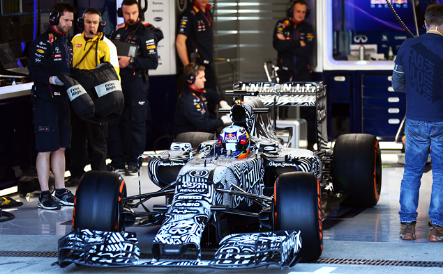 Что мы узнали из первых испытаний новых болидов Формулы-1. Фото 6