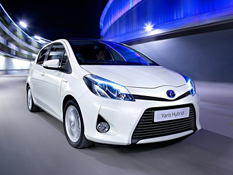 Toyota заберет батареи из использованных гибридов