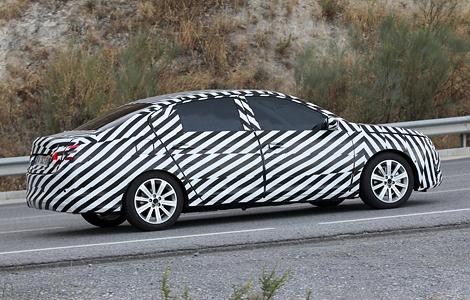 """Европейцам предложат Citroen C4 с кузовом """"седан"""""""