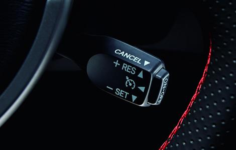 Купе улучшили рулевое управление и добавили два набора опций. Фото 1
