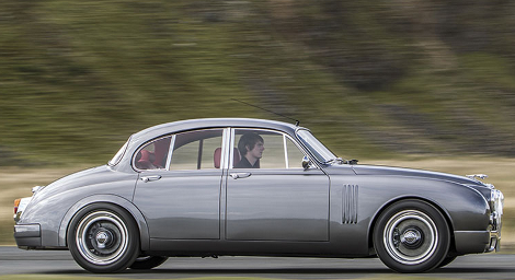 Компания CMC выпустят 12 уникальных седанов Jaguar Mark 2