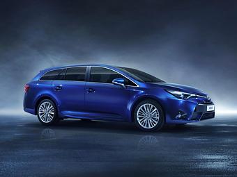 Toyota обновила семейство Avensis