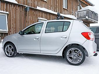"""Компания Renault вывела на тесты """"заряженный"""" Sandero"""