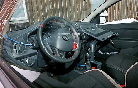 Хот-хэтч Sandero RS сфотографировали в Швеции. Фото 1
