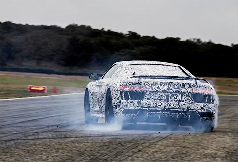 Суперкар лишился мотора V8, но стал легче, мощнее и быстрее