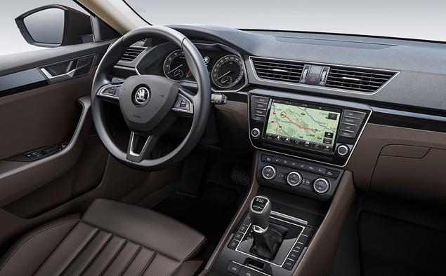 Что Skoda противопоставила практически идеальному VW Passat. Фото 19