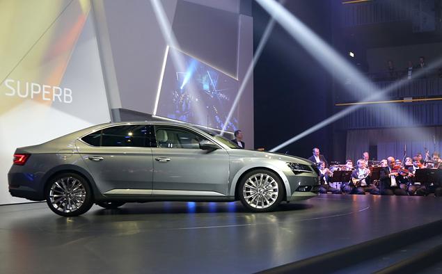 Что Skoda противопоставила практически идеальному VW Passat. Фото 29