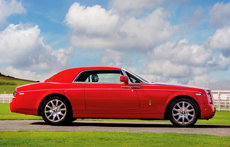 Британская марка построила эксклюзивное купе