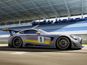 """""""Мерседес"""" оснастил новый гоночный суперкар старым двигателем"""