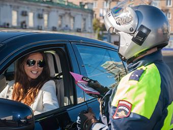 ГИБДД назвала любимые автомобильные цвета женщин-водителей