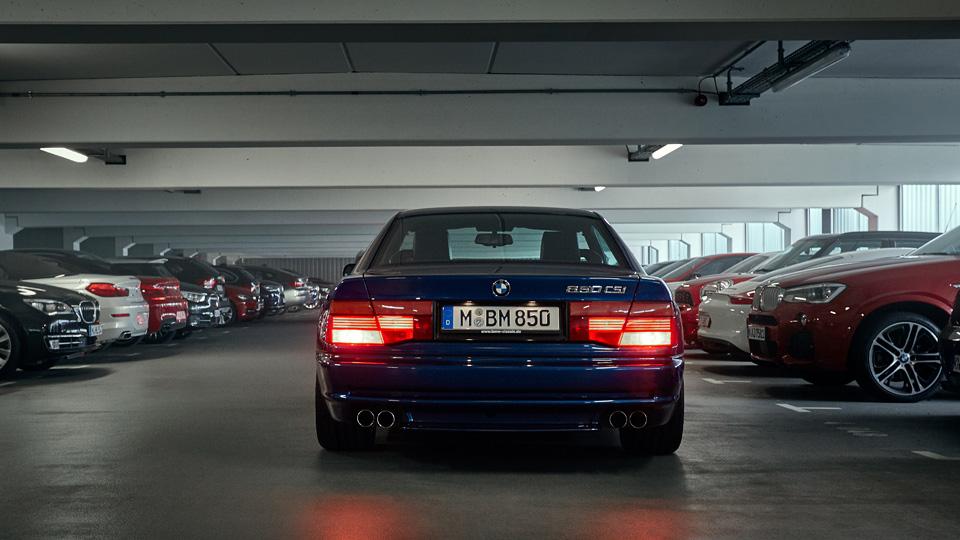 Супертест двух «восьмерок» BMW, как выбор между ностальгией о прошлом и мечтами о будущем. Фото 1