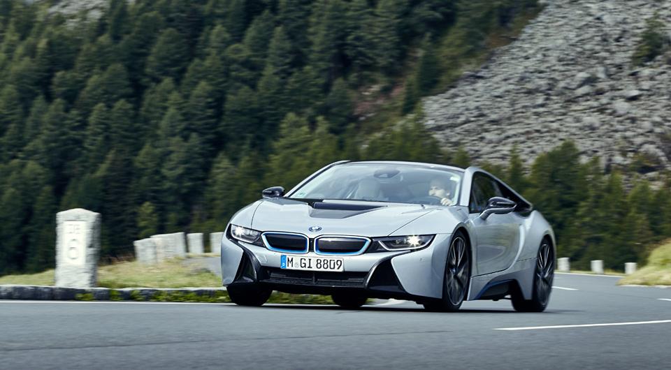 Супертест двух «восьмерок» BMW, как выбор между ностальгией о прошлом и мечтами о будущем. Фото 32