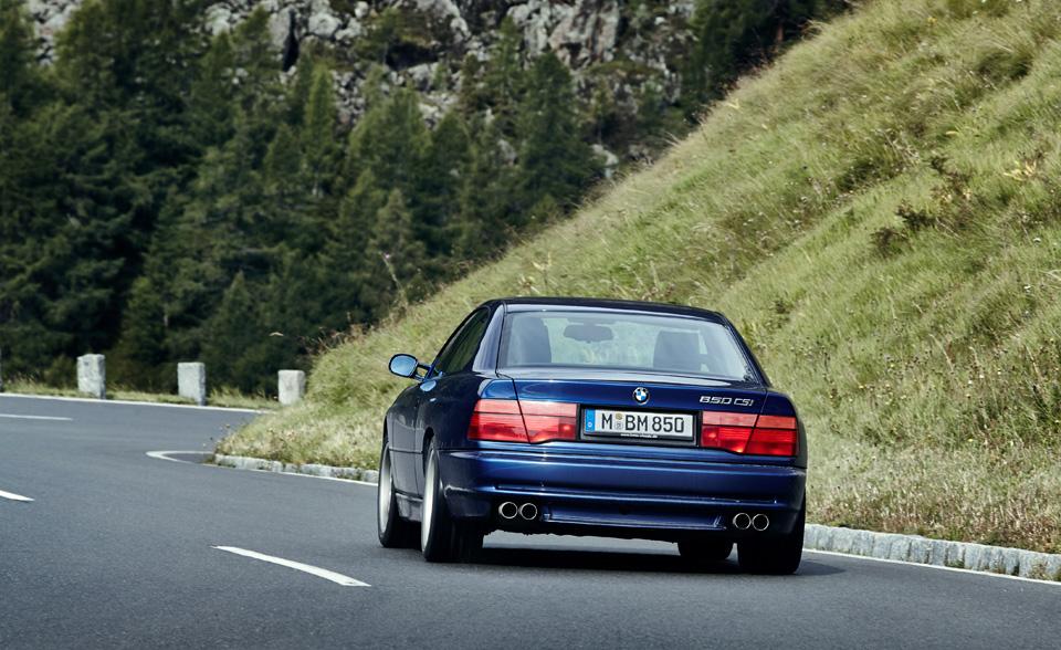 Супертест двух «восьмерок» BMW, как выбор между ностальгией о прошлом и мечтами о будущем. Фото 27