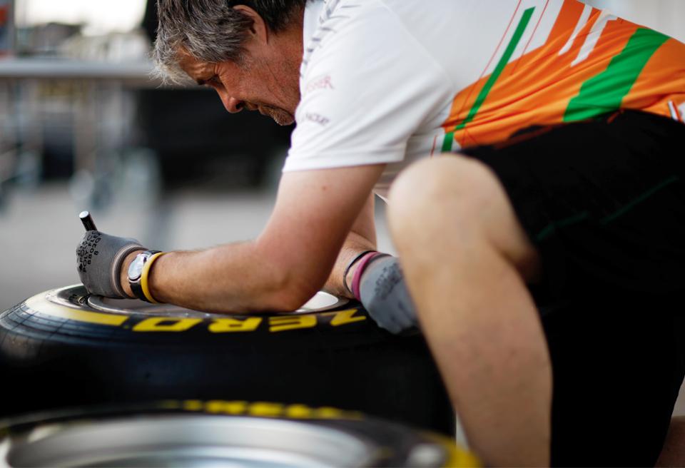 Как стать известным, работая с шинами в команде Формулы-1. Фото 2