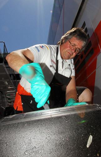 Как стать известным, работая с шинами в команде Формулы-1. Фото 1