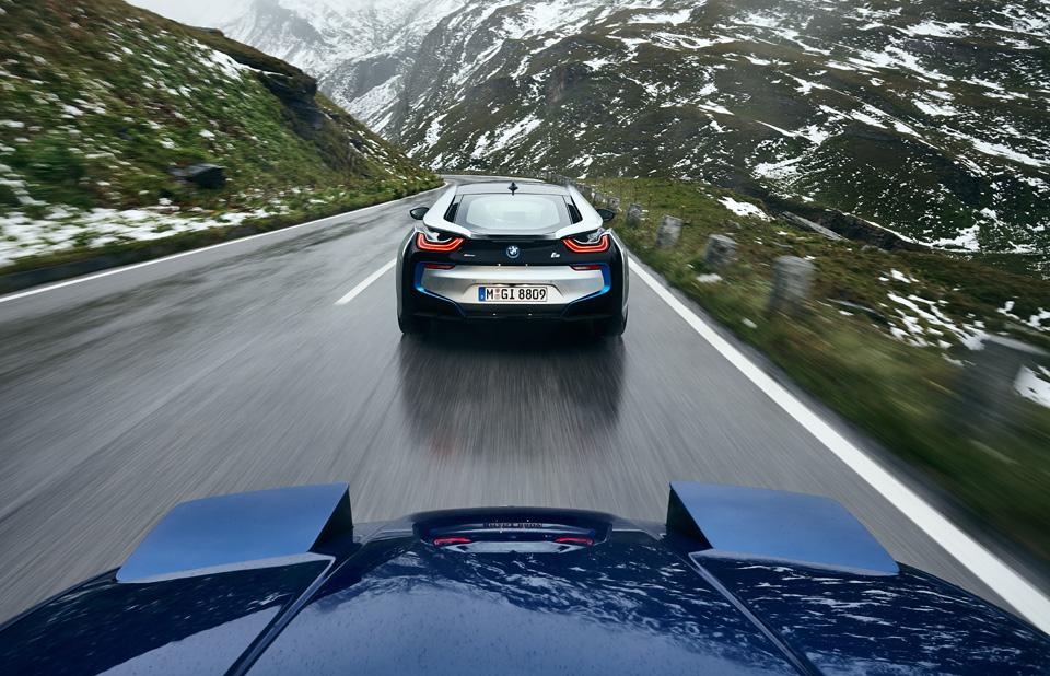 Супертест двух «восьмерок» BMW, как выбор между ностальгией о прошлом и мечтами о будущем. Фото 24