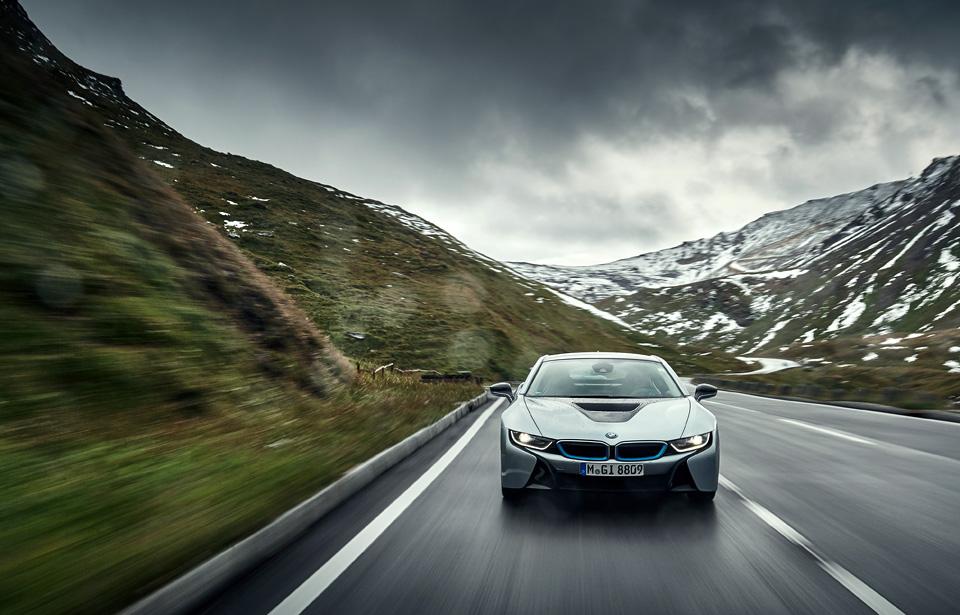 Супертест двух «восьмерок» BMW, как выбор между ностальгией о прошлом и мечтами о будущем. Фото 10
