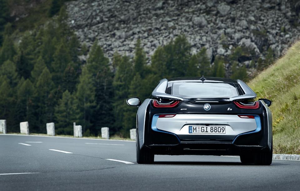 Супертест двух «восьмерок» BMW, как выбор между ностальгией о прошлом и мечтами о будущем. Фото 33