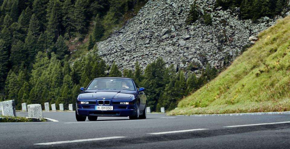 Супертест двух «восьмерок» BMW, как выбор между ностальгией о прошлом и мечтами о будущем. Фото 16