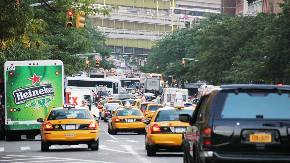 В Нью-Йорке заплатят за съемку машин на холостом ходу
