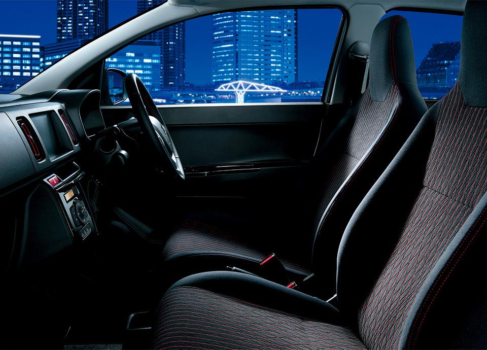 Suzuki Alto Turbo RS оснастили трехцилиндровым турбомотором. Фото 2